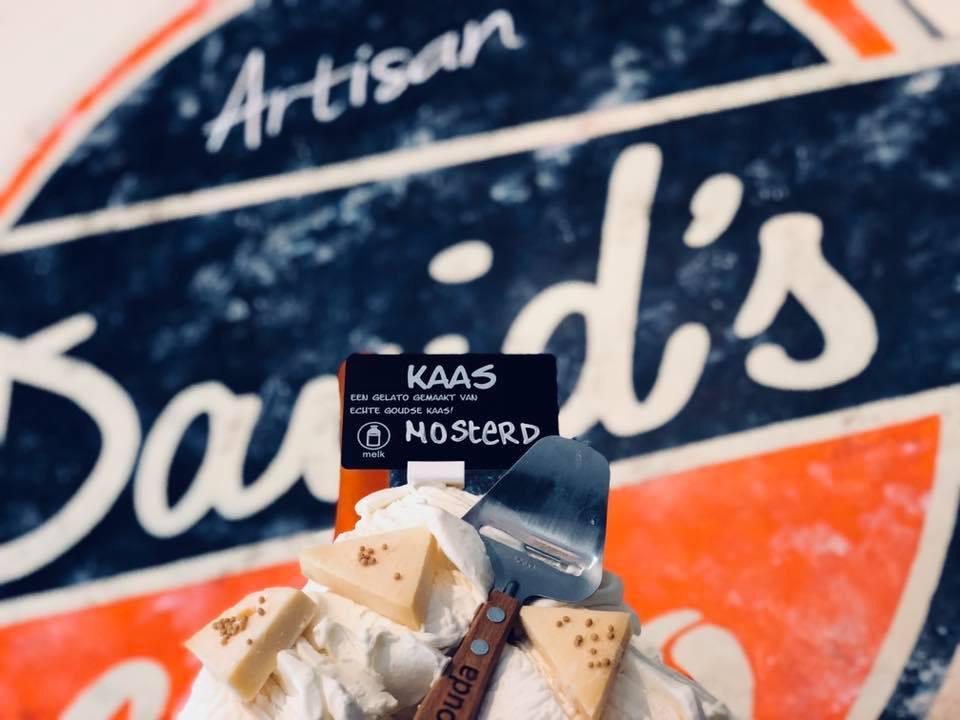 Spezialität: Eis mit Käse und Senf.